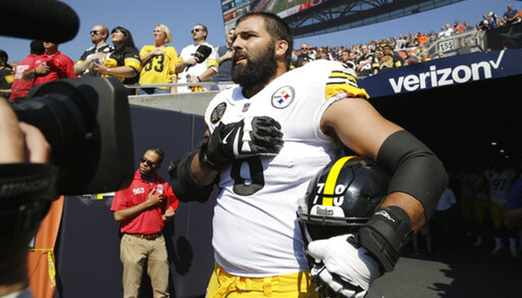 Pittsburgh Steelers offensive tackle and former Army Ranger Alejandro Villanueva stands outside the tunnel during the national anthem before an NFL game against the Chicago Bears, Sept. 24, 2017, in Chicago. (AP)