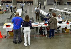 What's happening with polling places in Kentucky?