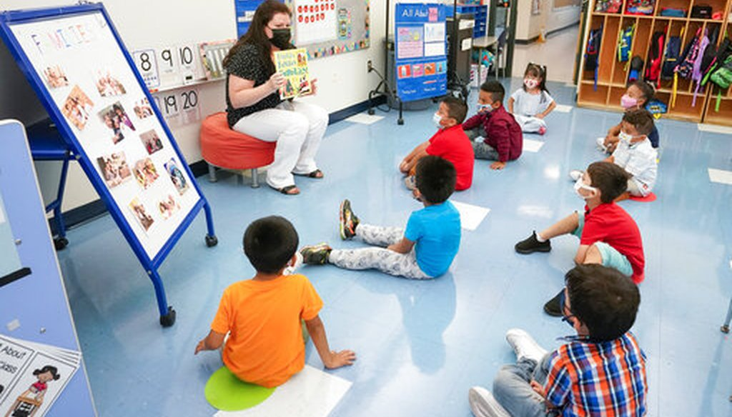 Pre-K teacher Vera Csizmadia teaches 3-and 4-year-old students in her early childhood center classroom in Palisades Park, N.J., on Sept. 16, 2021. (AP)