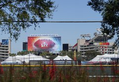 Will Tampa's Super Bowl be a super spreader? Experts worry about what NFL can't control