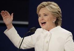 Hillary Clinton correctamente dice:Torre Trump en parte construida por trabajadores indocumentados