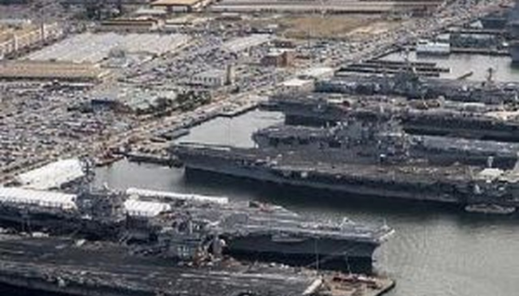 This is the picture of five aircraft carriers that accompanied a conspiracy-minded chain email.