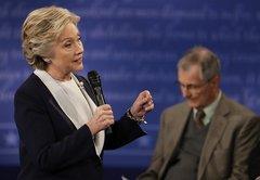 Errónea asociación de Hillary Clinton entre recortes fiscales y la Gran Recesión