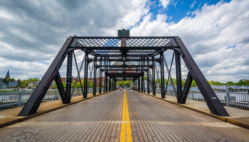 The Grand Ave. Bridge over the Quinnipiac River in New Haven, Conn. (Shutterstock)