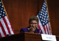 A look at Karen Bass' comments about Castro and Cuba