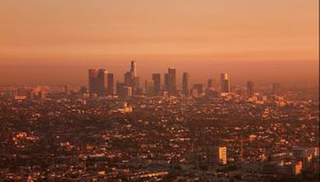 Los Angeles at sunset, blanketed in smog, from the Griffith Park Observatory in 2006. (Photo by Mary Reiford via Flickr.)
