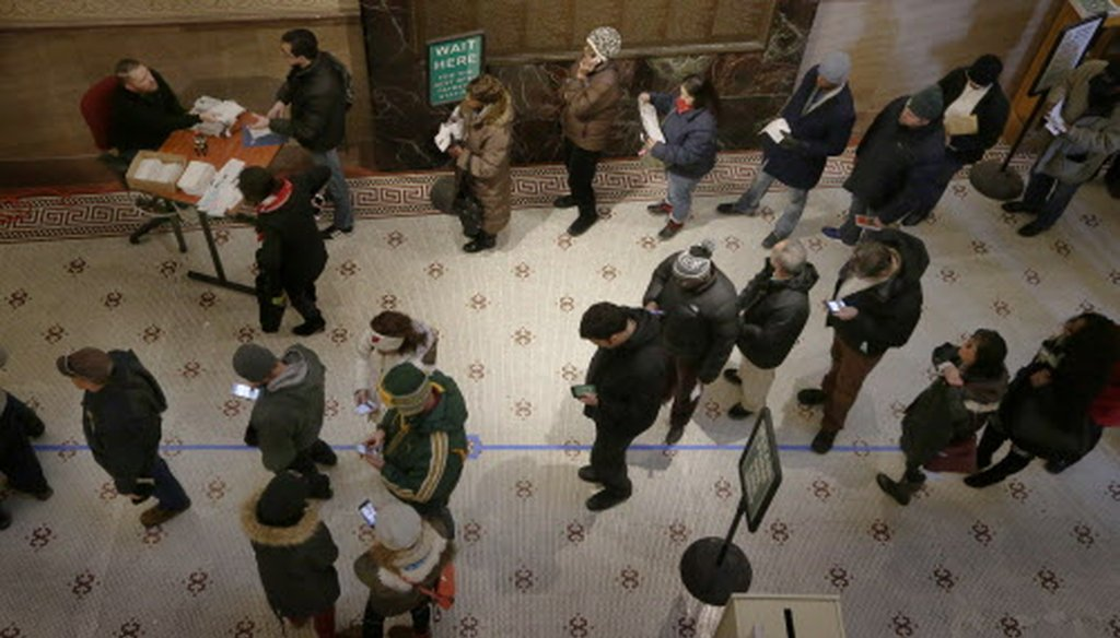 City of Milwaukee taxpayers queue up to pay their property taxes Dec. 27, 2017, at City Hall in Milwaukee. (Mark Hoffman / Milwaukee Journal Sentinel).