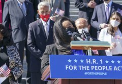 Fact-checking misleading attacks on the HR 1 voting rights bill