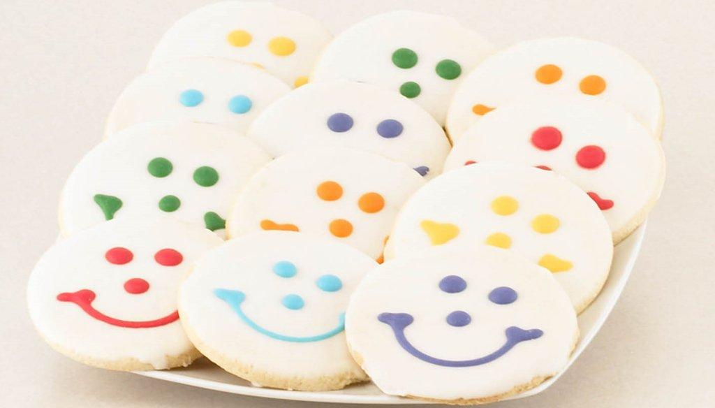 A plate of Eat'n Park Smiley Cookies.