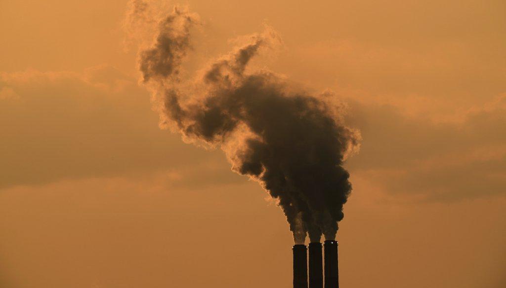 Smokestacks at the Jeffrey Energy Center coal-fired power plant near Emmet, Kan. (AP)
