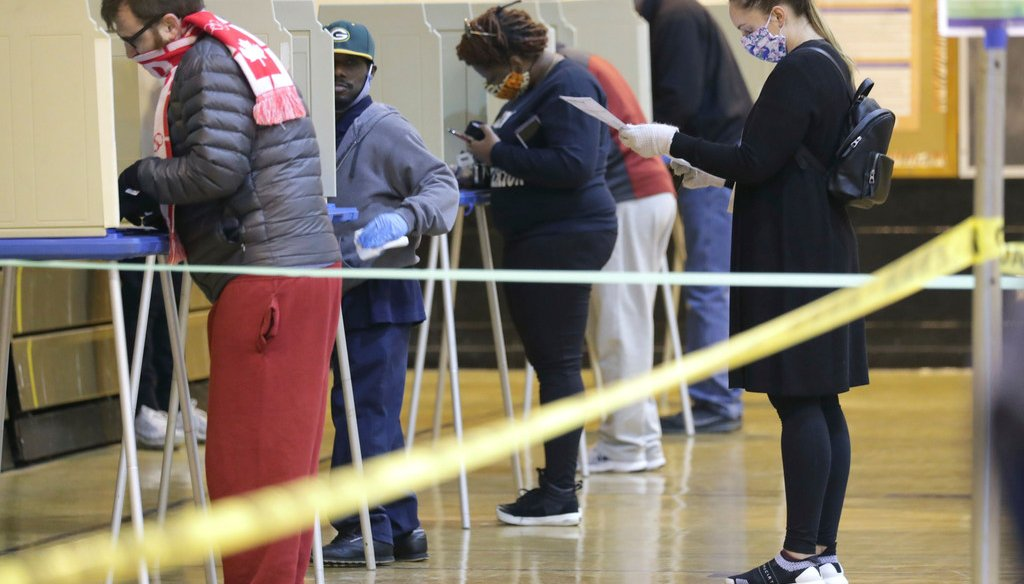 Voters cast their ballots in Milwaukee amid the coronavirus pandemic on April 7, 2020. (Mike De Sisti/Milwaukee Journal-Sentinel)