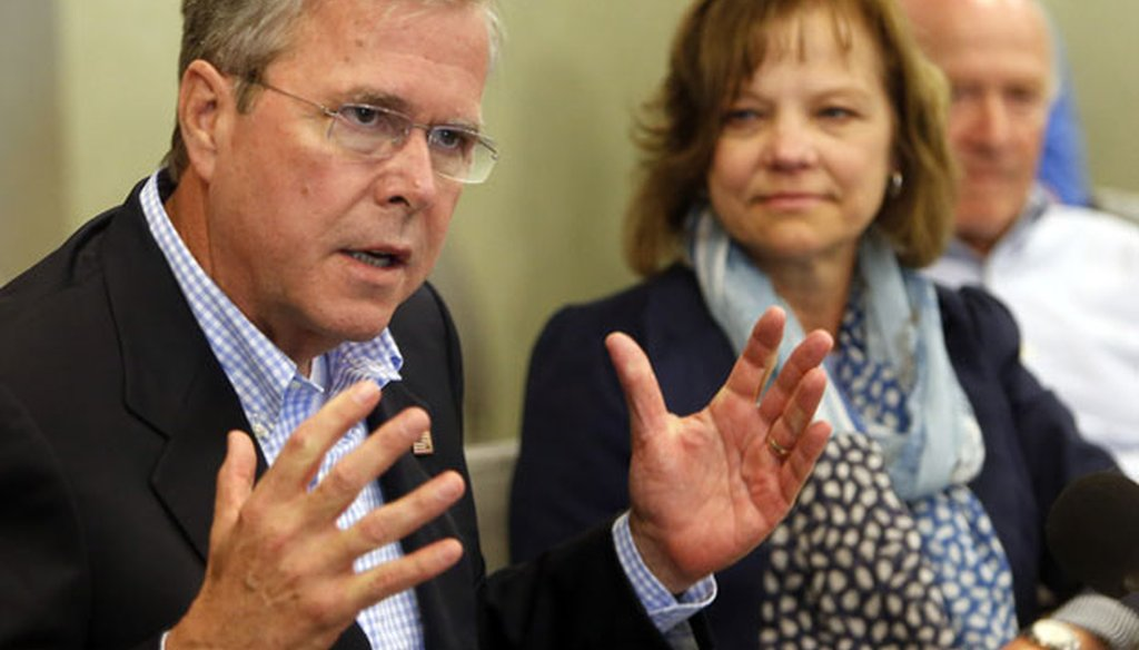 Former Gov. Jeb Bush talks to business leaders during a roundtable discussion in Portsmouth, N.H., on May 20, 2015. (AP photo)