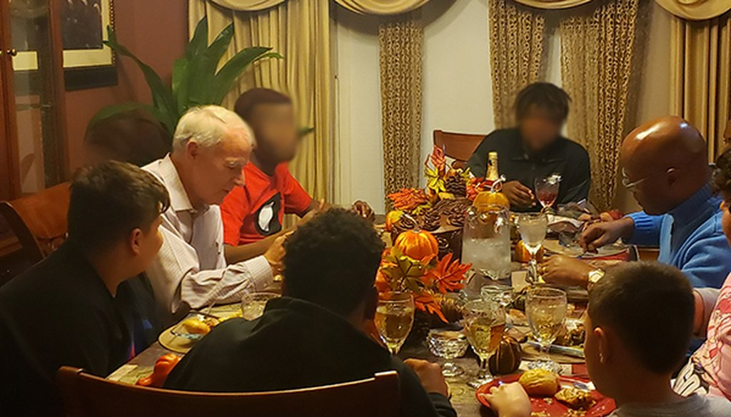 """Milwaukee Mayor Tom Barrett and Milwaukee County Sheriff Earnell Lucas attended a """"Dinners with Winners"""" event with youths at Milwaukee's Ujima House on Nov. 14, 2018. (Courtesy Jermaine Reed)."""