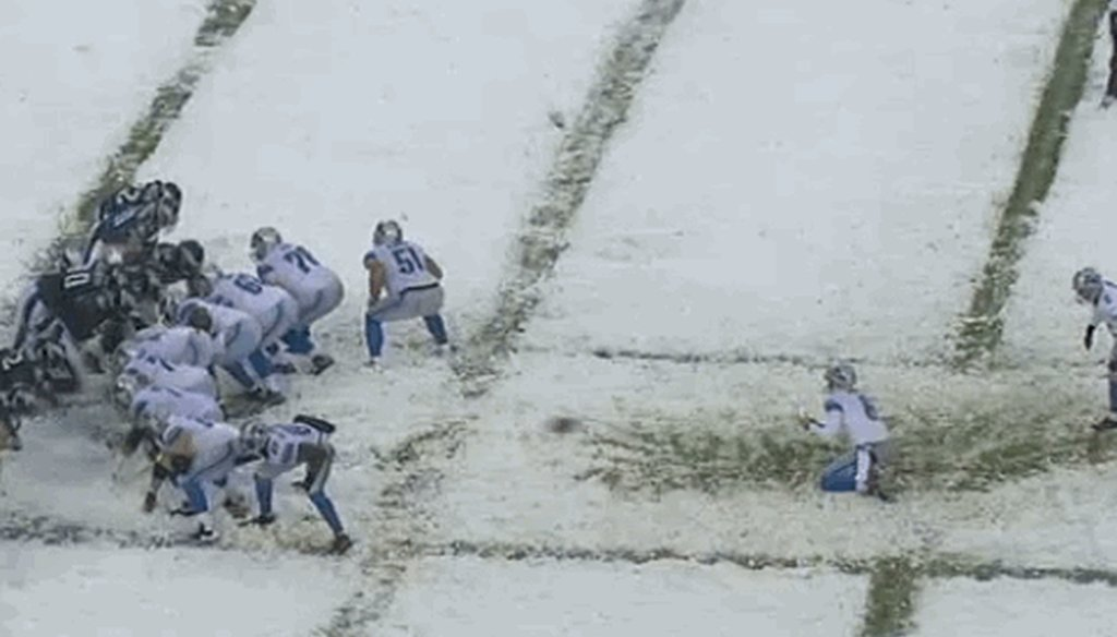 Detroit Lions kicker David Akers had an extra point blocked Dec. 8, 2013.