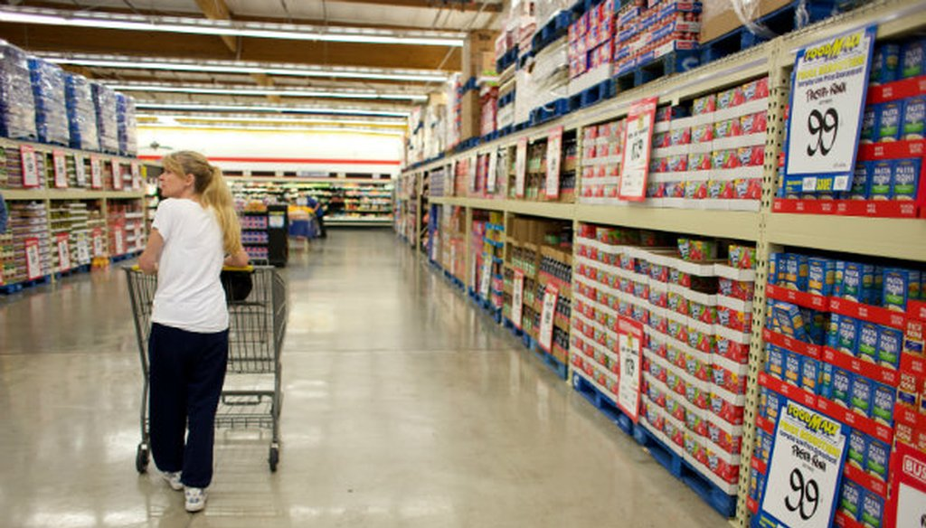 Kimberly Gibson shops once a month at the FoodMaxx on Florin Road in Sacramento. Andrew Nixon / Capital Public Radio