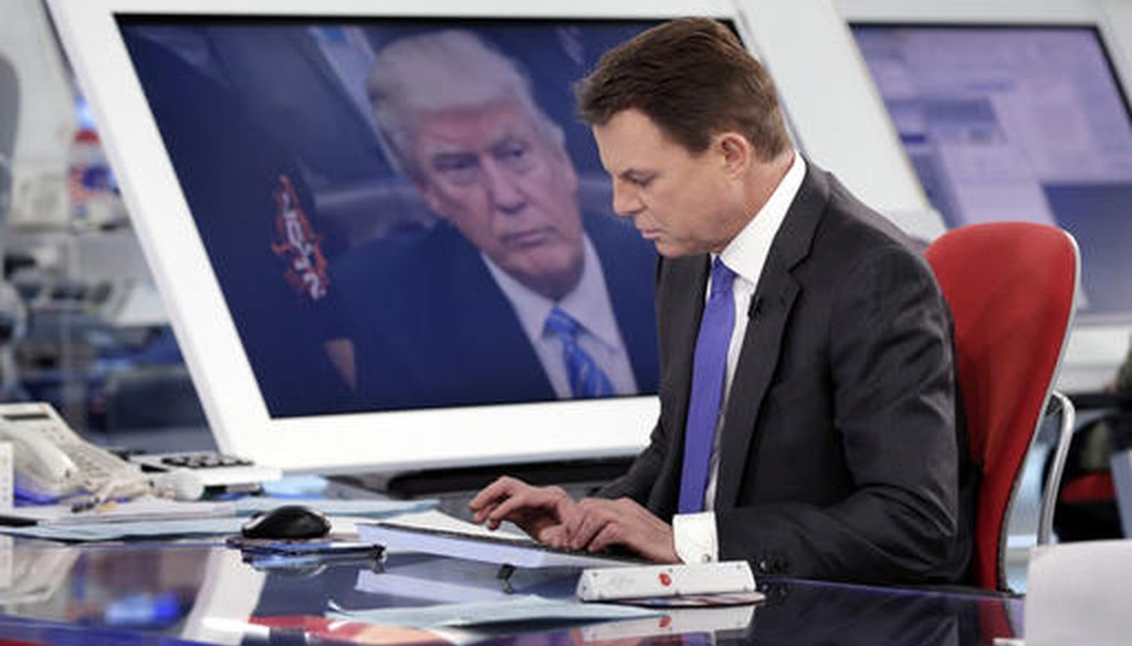 "Fox News Channel chief news anchor Shepard Smith prepares for his ""Shepard Smith Reporting"" program in New York,  Jan. 30, 2017. (AP)"