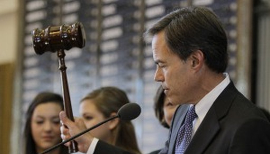 House Speaker Joe Straus strikes the gavel on the first day of the new session.