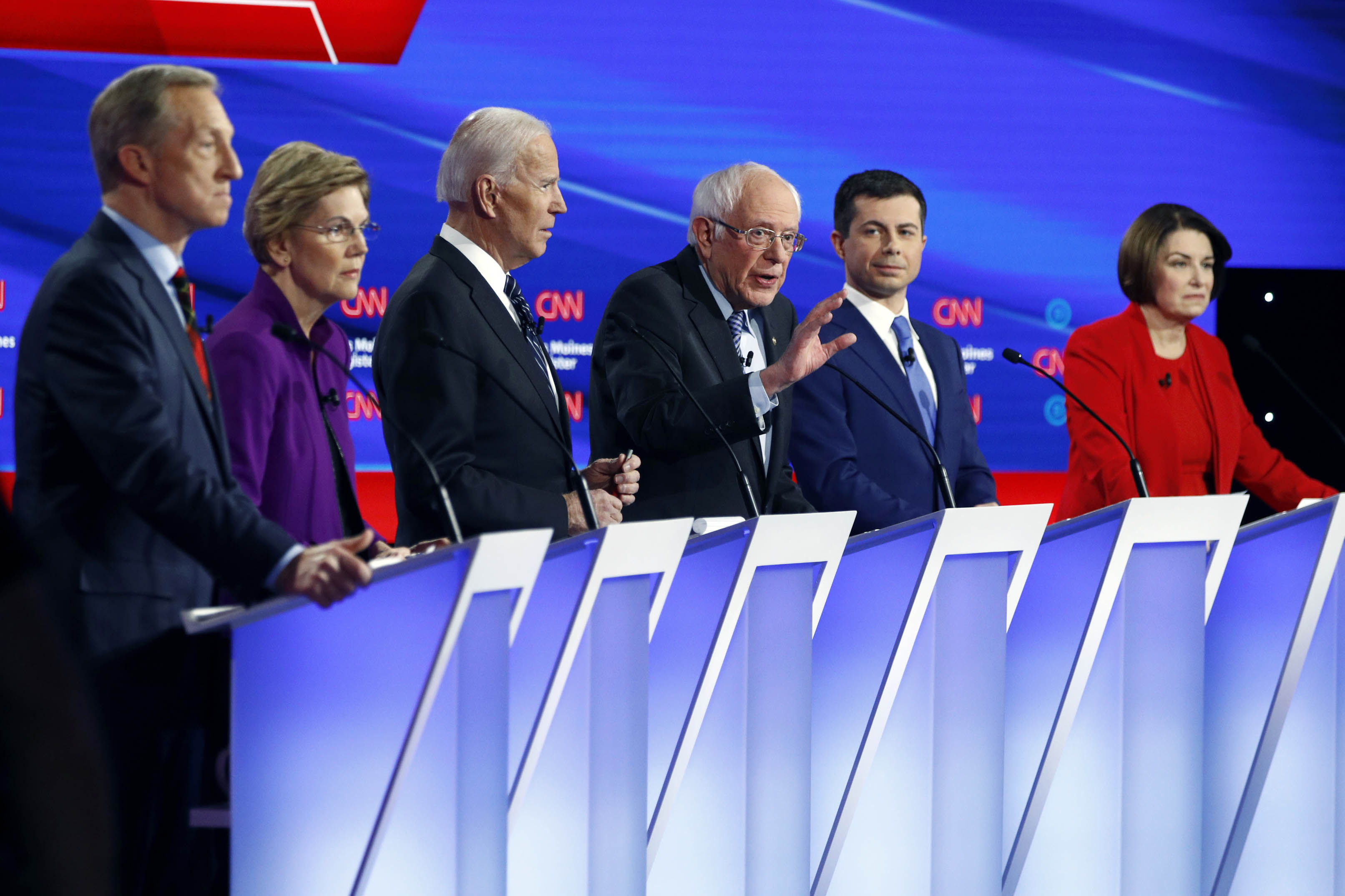 Democratic presidential candidates listen Jan. 14, 2020, during a Democratic presidential primary debate hosted by CNN and the Des Moines Register in Des Moines, Iowa. (AP)