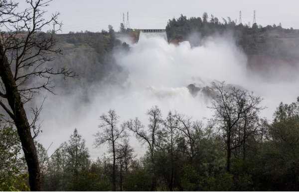 Lawmaker misleads in claims about Oroville dam crisis