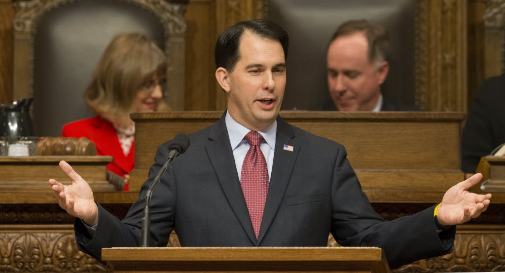 Gov. Scott Walker giving his 2015 State of the State speech. His sixth such address is set for Jan. 19, 2016. (Mark Hoffman photo)