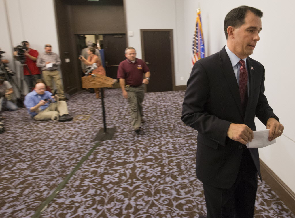 Gov. Scott Walker announced he was dropping out of the Republican presidential race during a news conference on Sept. 21, 2015 at the Edgewater Hotel in Madison, Wis. (Mark Hoffman photo)