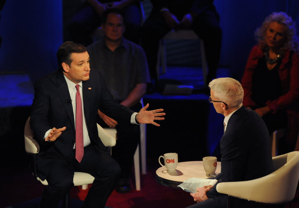Republican U.S. Sen. Ted Cruz of Texas (left) was interviewed by CNN host Anderson Cooper during a town hall event for GOP presidential candidates at the Riverside Theater in Milwaukee on March 29, 2016. (Michael McLoone photo)