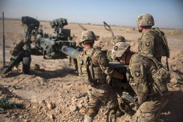 U.S. soldiers maneuver an M-777 howitzer at Bost Airfield, Afghanistan, on June 10, 2017. (U.S. Marine Corps/Sgt. Justin T. Updegraff via AP)