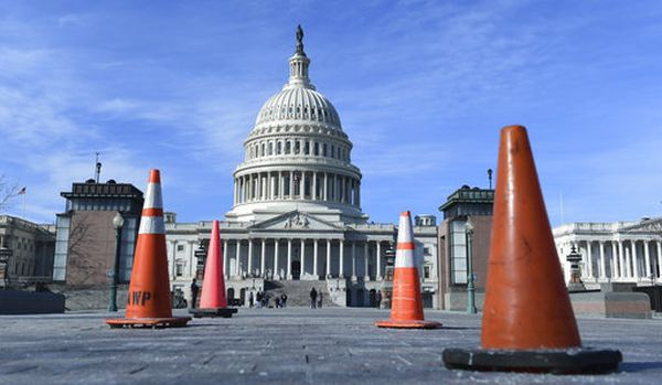 Construction cones stand along the sidewalk at the U.S. Capitol on Jan. 19, 2018. (AP /Susan Walsh)