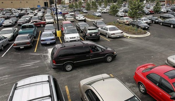 Immigrant deaths in a trailer parked in San Antonio led PolitiFact Texas to recap research into rising temperatures in parked cars (Tim Boyle, GETTY IMAGES).