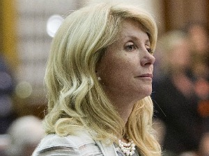 Wendy Davis filibustered a measure restricting abortions in Texas June 26, 2013. The Truth-O-Meter whirred (Alberto Martinez, Austin American-Statesman).