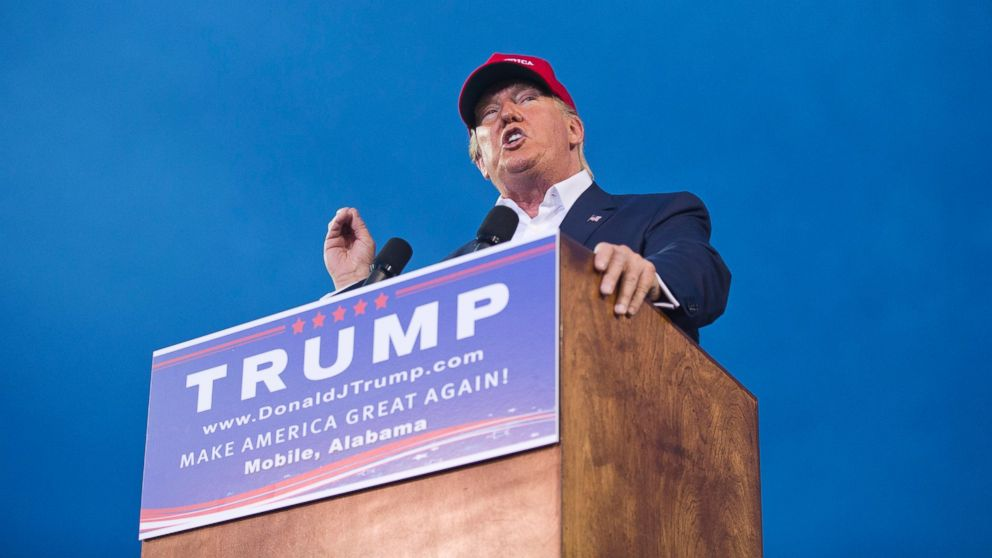 Donald Trump rallies thousands of fans at a stadium in Mobile, Ala., on Aug. 22, 2015. (AP)