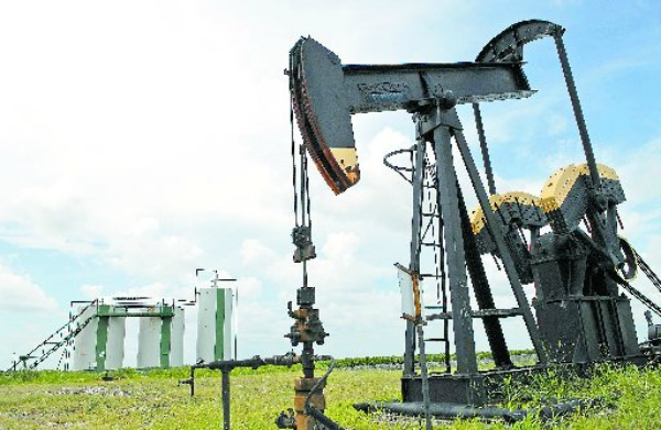 The latest oil slump in Texas likely explains the state economy's No. 21 rank in a national analysis (Bloomberg News photo, 2006).