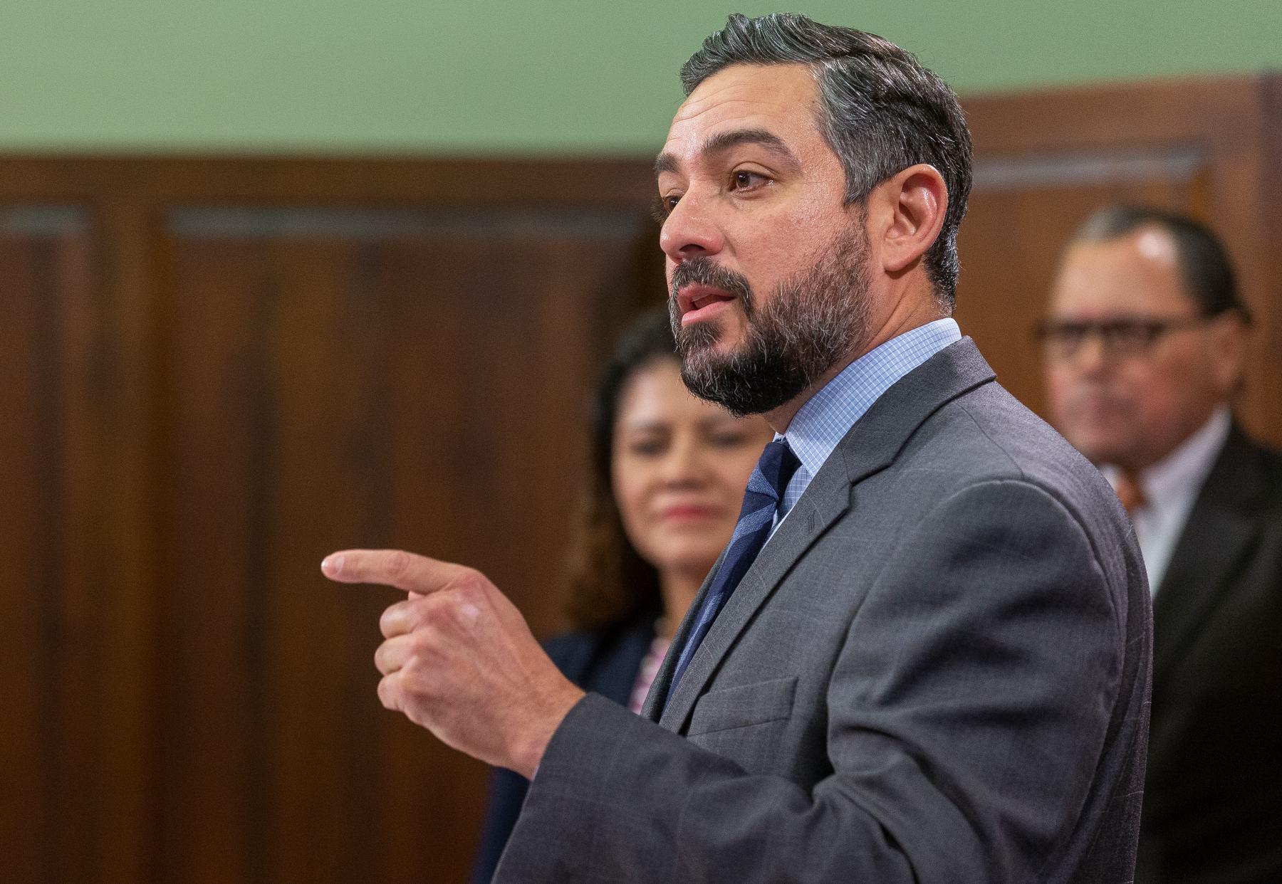 State Rep. César Blanco speaks during a press conference in Austin, Texas (Stephen Spillman/Austin American-Statesman).